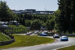 Start actie, Nestor Girolami, Polestar Cyan Racing, Volvo S60 Polestar TC1 aan de leiding