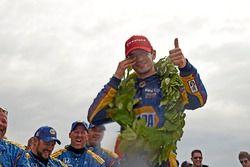 Ganador de la carrera Alexander Rossi, Curb Herta - Andretti Autosport Honda