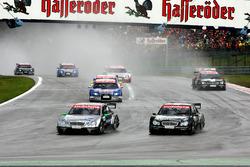 Gary Paffett, AMG Mercedes, und Mika Hakkinen, AMG Mercedes