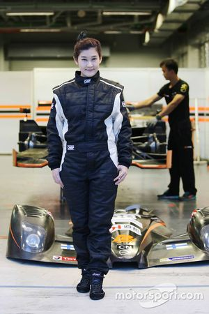 #68 PS Racing Ligier JS53: Medhapan Sundaradeja