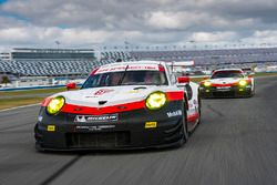 №911 Porsche Team North America Porsche 911 RSR: Патрик Пиле, Дирк Вернер, Фредерик Маковецки, №912 Porsche Team North America Porsche 911 RSR: Кевин Эстре, Лоренс Вантхор, Рихард Лиц