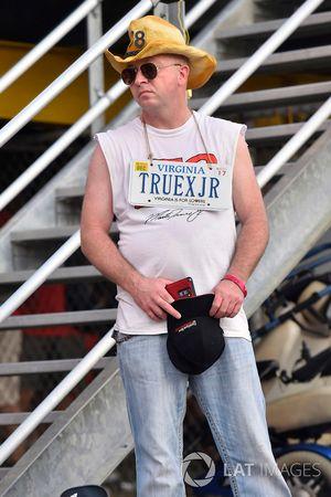 Martin Truex Jr., Furniture Row Racing Toyota fan
