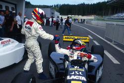 Race winner Juan Pablo Montoya, RSM Marko congratulates second place Ricardo Zonta, Super Nova