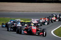 La partenza della gara, Callum Ilott, Prema Powerteam, Dallara F317 - Mercedes-Benz al comando
