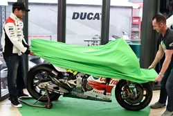 Cal Crutchlow, Team LCR Honda, Aaron Slight