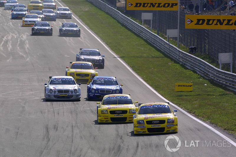 Christian Abt, por delante de Mattias Ekstrom, Abt Audi TT-R