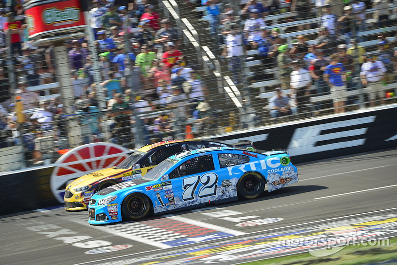Cole Whitt, TriStar Motorsports, Chevrolet; Matt DiBenedetto, Go Fas Racing, Ford