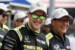 Ganador de la pole Charlie Kimball, Chip Ganassi Racing Honda