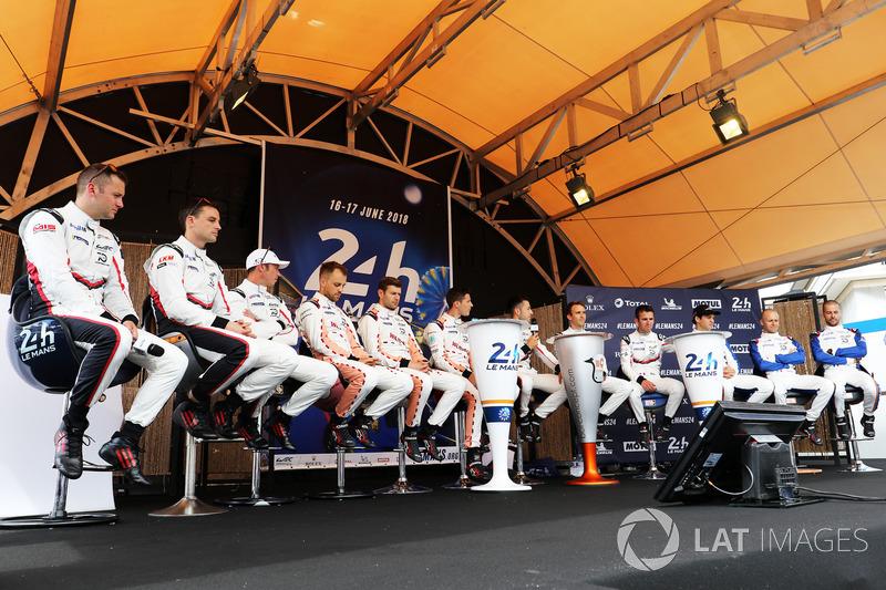 Les pilotes Porsche GT Team