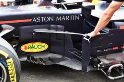 Red Bull Racing RB14 barcaza