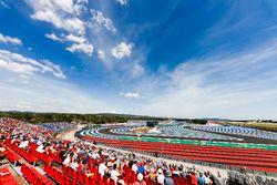 Sergey Sirotkin, Williams FW41, devant Pierre Gasly, Toro Rosso STR13
