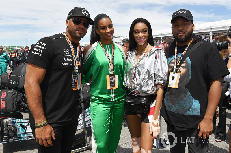 Seattle Seahawks Quarterback Russell Wilson, and Winne Harlow, on the grid