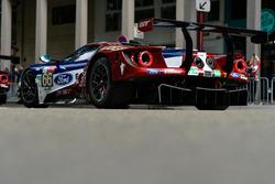 Автомобиль Ford GT (№66) команды Ford Chip Ganassi Team UK