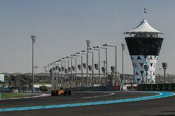 at Formula One World Championship, Rd20, Abu Dhabi Grand Prix, Qualifying, Yas Marina Circuit, Abu Dhabi, UAE, Saturday 25 November 2017.