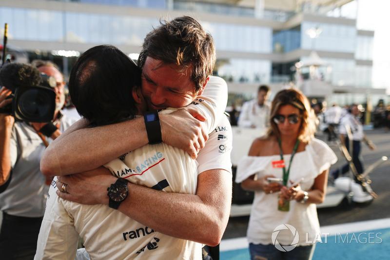 Felipe Massa, Williams, Rob Smedley, Head of Vehicle Performance, Williams, embrace prior to the dri