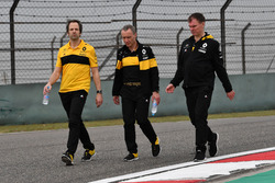 Ciaron Pilbeam, Renault Sport F1 Team, Bob Bell, Renault Sport F1 Team and Alan Permane, Renault Spo