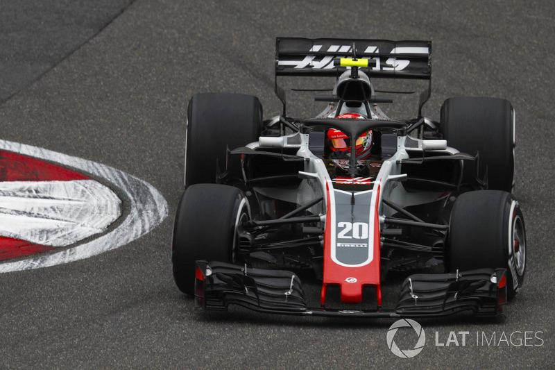 "<img src=""https://cdn-1.motorsport.com/static/custom/car-thumbs/F1_2018/TESTS/haas.png"" alt="""" width=""250"" /> Haas"