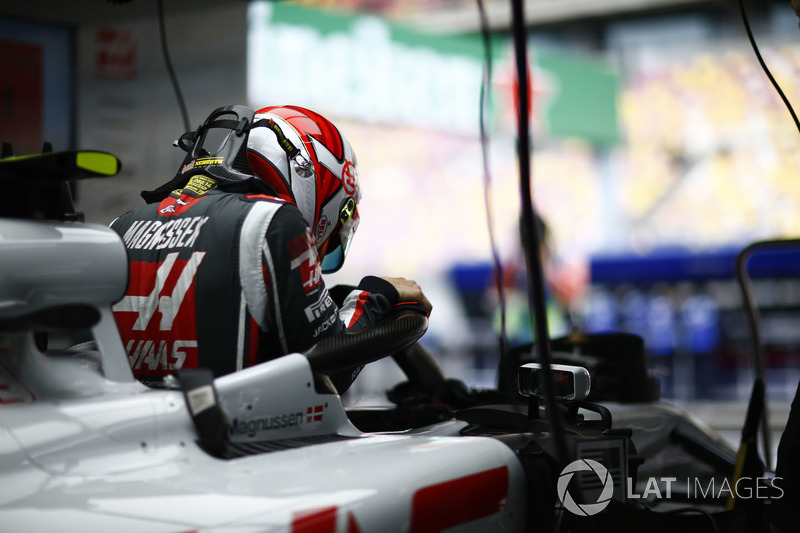 11. Kevin Magnussen, Haas F1 Team VF-18