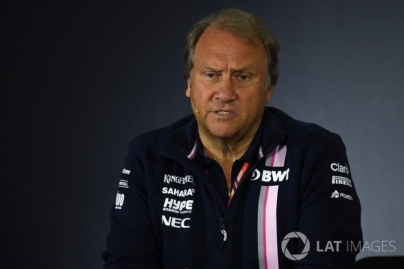 Robert Fearnley, subdirector del equipo Force India F1, en la rueda de prensa