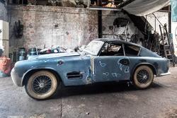 Jaguar XK140 sortie de grange