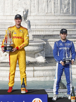 1. Ryan Hunter-Reay, Andretti Autosport Honda, 3. Ed Jones, Chip Ganassi Racing Honda