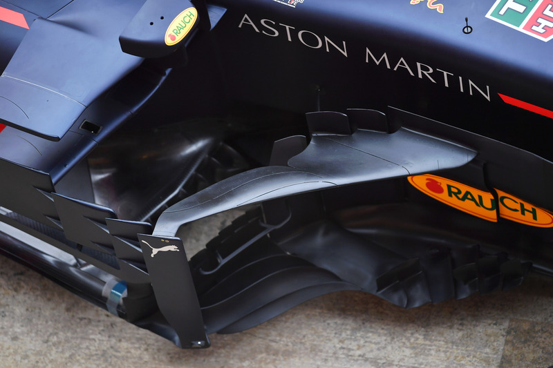 Red Bull Racing RB14 sidepod ve bargeboard detay