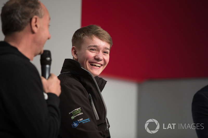 Terry Grant, piloto stunt y Billy Monger