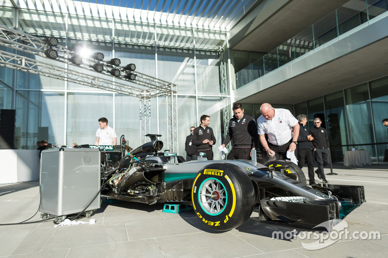 Mercedes AMG F1 engineers