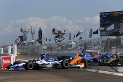 Takuma Sato, Rahal Letterman Lanigan Racing Honda. Scott Dixon, Chip Ganassi Racing Honda, James Hin