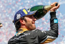 Jean-Eric Vergne, Techeetah, enjoy their Mumm Champagne on the podium