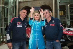 Carlos Sainz, Lucas Cruz, Peugeot Sport, Cristina Cifuentes, Community of Madrid Başkanı
