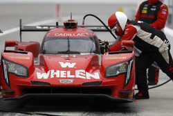 #31 Action Express Racing Cadillac DPi, P: Eric Curran, Mike Conway, Stuart Middleton, Felipe Nasr au stand
