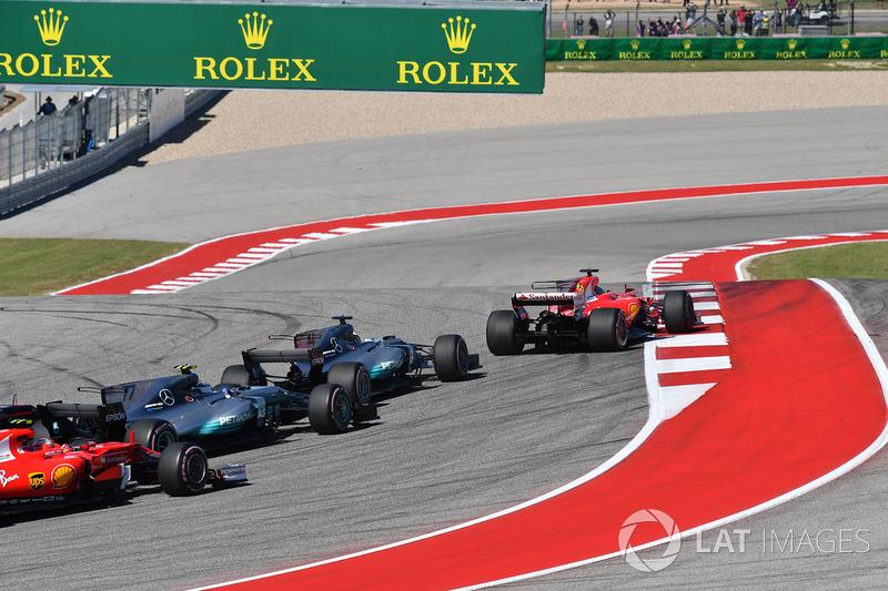 Sebastian Vettel, Ferrari SF70H líder al inicio