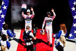 Esteban Ocon, Force India, Sergio Perez, Force India, lors de la parade des pilotes