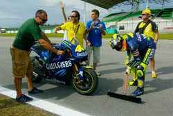 Valentino Rossi seeps the track as a joke