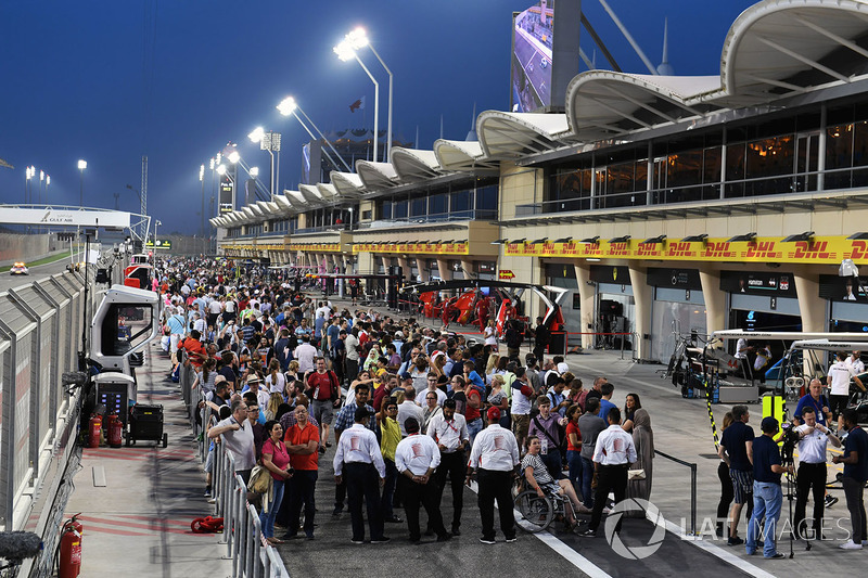 Fans at the pit lane walkabout