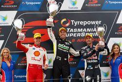 Podyum: Yarış galibi Craig Lowndes, Triple Eight Race Engineering Holden, 2. Scott McLaughlin, DJR T