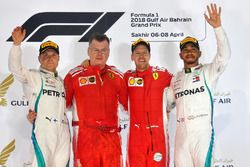 Podium : le vainqueur Sebastian Vettel, Ferrari, le second Valtteri Bottas, Mercedes AMG F1, le troisième Lewis Hamilton, Mercedes AMG F1
