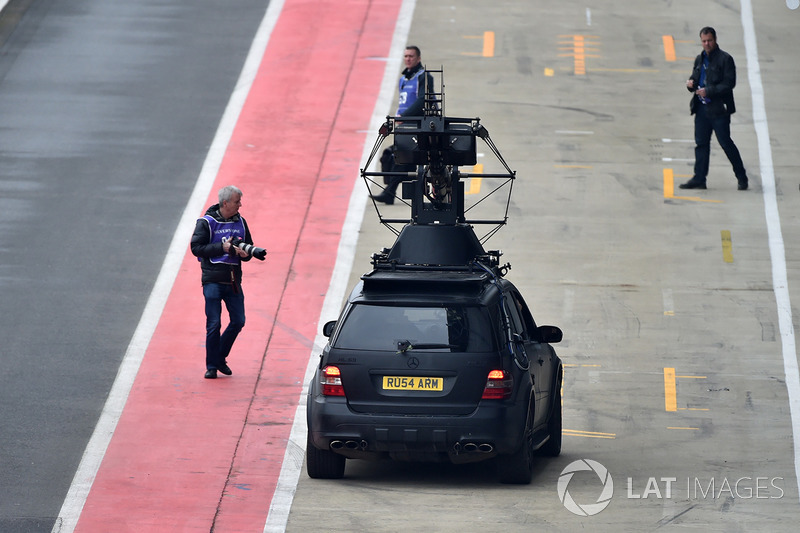 Filming vehicle