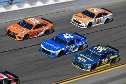 Daniel Suarez, Joe Gibbs Racing Toyota, Kyle Larson, Chip Ganassi Racing Chevrolet Camaro, David Rag