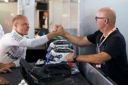 Rain Bottas visits his son Valtteri Bottas, Mercedes AMG F1