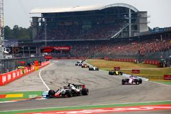 Ромен Грожан, Haas F1 Team VF-18, Серхио Перес, Sahara Force India F1 VJM11, Карлос Сайнс, Renault Sport F1 Team RS18, и Шарль Леклер, Alfa Romeo Sauber C37