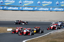 Start, Ralf Aron, PREMA Theodore Racing Dallara F317 - Mercedes-Benz leidt