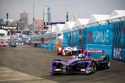 Alex Lynn, DS Virgin Racing, Felix Rosenqvist, Mahindra Racing