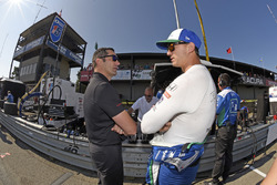 Graham Rahal, Rahal Letterman Lanigan Racing Honda chats with Indycar Steward Max Papis