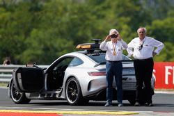 Safety Car y Charlie Whiting, delegado de la FIA