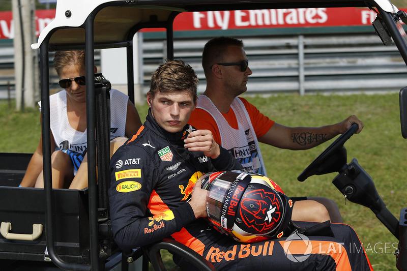"""Max Verstappen: """"Não posso simplesmente ir em frente. Eu não me importo se este motor explode. Que piada com essa merda. Honestamente."""""""