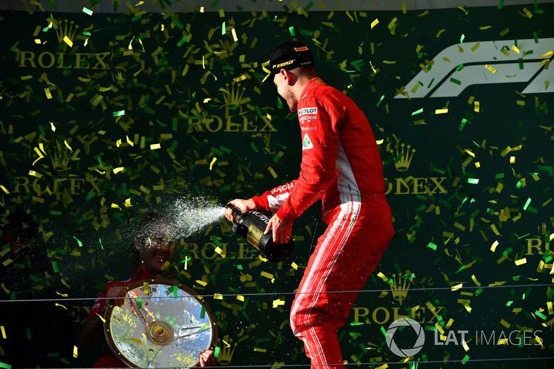 Это сотый подиум в карьере Феттеля в Формуле 1. Больше – только у Михаэля Шумахера (155), Льюиса Хэмилтона (118) и Алена Проста (106)