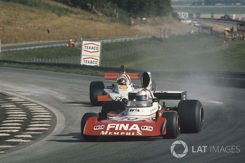 Дитер Квестер, Surtees TS16 Ford, и Ян Эшли, Token RJ02 Ford