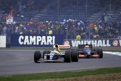 Damon Hill, Williams FW15C; Andrea de Cesaris, Tyrrell 020C